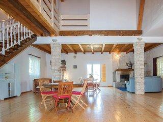 4 bedroom Villa in Gulin, Šibensko-Kninska Županija, Croatia : ref 5563710