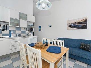 4 bedroom Apartment in Jadrija, Sibensko-Kninska Zupanija, Croatia : ref 5563685