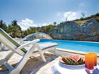 3 bedroom Villa in Siveric, Sibensko-Kninska Zupanija, Croatia : ref 5563690