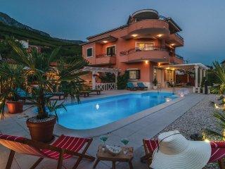 6 bedroom Villa in Kucine, Splitsko-Dalmatinska Zupanija, Croatia : ref 5563616
