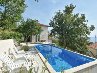 3 bedroom Villa in Tucepi, Splitsko-Dalmatinska Zupanija, Croatia : ref 5563608
