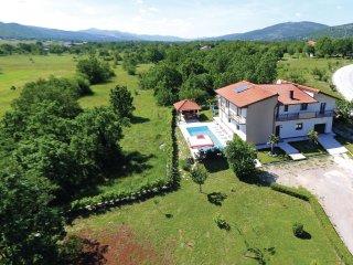 6 bedroom Villa in Tijardovići, Splitsko-Dalmatinska Županija, Croatia : ref 556