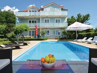 8 bedroom Villa in Klanac, Splitsko-Dalmatinska Zupanija, Croatia : ref 5563560