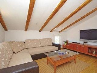 4 bedroom Villa in Orlovac, Splitsko-Dalmatinska Zupanija, Croatia : ref 5563530