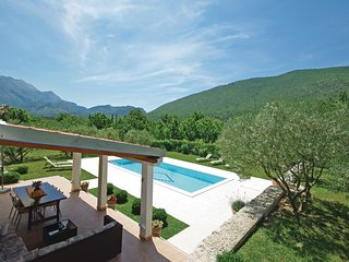 4 bedroom Villa in Orlovac, Splitsko-Dalmatinska Županija, Croatia - 5563530