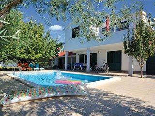 3 bedroom Villa in Plano, Splitsko-Dalmatinska Zupanija, Croatia : ref 5563492