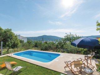 4 bedroom Villa in Vinišće, Splitsko-Dalmatinska Županija, Croatia : ref 5563484