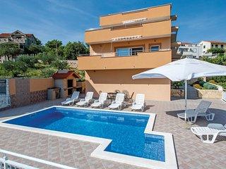 6 bedroom Villa in Vinisce, Splitsko-Dalmatinska Zupanija, Croatia : ref 5563452