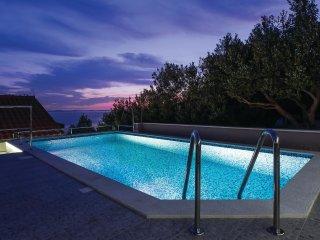 6 bedroom Villa in Zakucac, Splitsko-Dalmatinska Zupanija, Croatia : ref 5563447