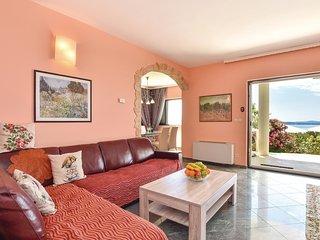 4 bedroom Villa in Kaštel Kambelovac, Splitsko-Dalmatinska Županija, Croatia : r