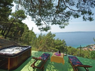 4 bedroom Villa in Baška Voda, Croatia - 5563408