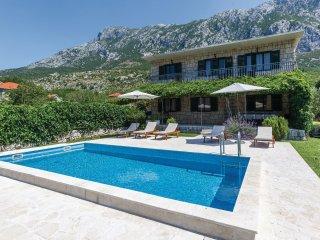 5 bedroom Villa in Gata, Splitsko-Dalmatinska Zupanija, Croatia : ref 5563366