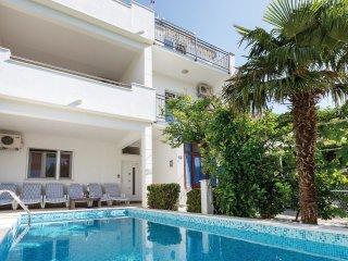 5 bedroom Villa in Omiš, Splitsko-Dalmatinska Županija, Croatia : ref 5563371
