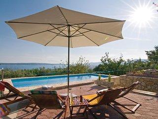 2 bedroom Villa in Kastel Kambelovac, Splitsko-Dalmatinska Zupanija, Croatia : r