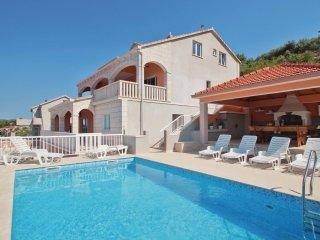 5 bedroom Villa in Prigradica, Croatia - 5563185