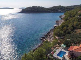 4 bedroom Villa in Potirna, Dubrovacko-Neretvanska Zupanija, Croatia : ref 55631