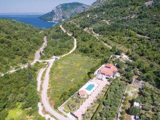 4 bedroom Villa in Brijeg, Dubrovačko-Neretvanska Županija, Croatia : ref 556306
