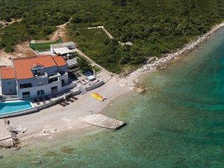 6 bedroom Villa in Sreser, Dubrovacko-Neretvanska Zupanija, Croatia : ref 556293