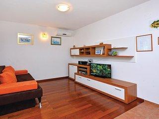 3 bedroom Villa in Gornje Selo, Splitsko-Dalmatinska Županija, Croatia : ref
