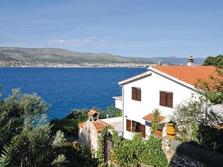 5 bedroom Villa in Okrug Donji, Croatia - 5562832