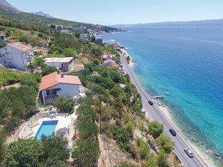 4 bedroom Villa in Sumpetar, Splitsko-Dalmatinska Županija, Croatia : ref 556281