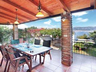 3 bedroom Villa in Arbanija, Splitsko-Dalmatinska Županija, Croatia : ref 556281
