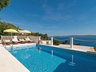 4 bedroom Villa in Kutleša, Splitsko-Dalmatinska Županija, Croatia : ref 5562794
