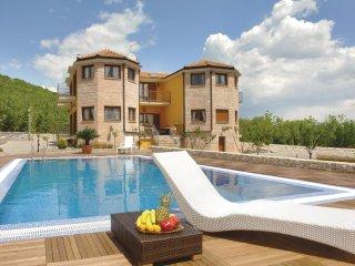 4 bedroom Villa in Jasenak, Splitsko-Dalmatinska Županija, Croatia : ref 5562742