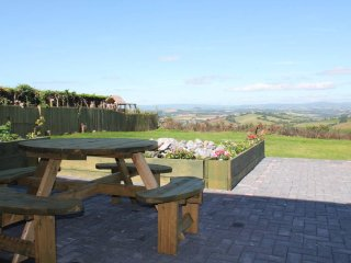 Dog friendly home with fantastic panoramic views