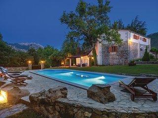 3 bedroom Villa in Orlovac, Splitsko-Dalmatinska Zupanija, Croatia : ref 5562718