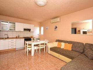 5 bedroom Villa in Okrug Gornji, Splitsko-Dalmatinska Županija, Croatia : ref 5