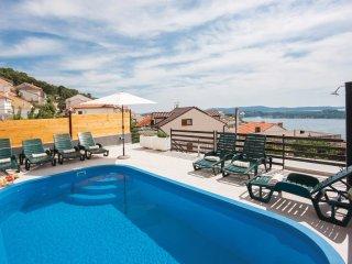 2 bedroom Apartment in Sibenik, Sibensko-Kninska Zupanija, Croatia : ref 5562674