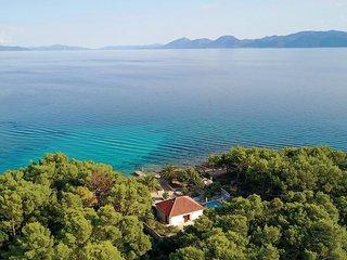 3 bedroom Villa in Sucuraj, Splitsko-Dalmatinska Zupanija, Croatia : ref 5562581