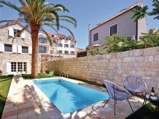 4 bedroom Villa in Split, Splitsko-Dalmatinska Zupanija, Croatia : ref 5562519