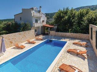3 bedroom Villa in Srinjine, Splitsko-Dalmatinska Županija, Croatia : ref 556250