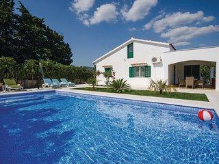 2 bedroom Villa in Divulje, Splitsko-Dalmatinska Županija, Croatia : ref 5562485