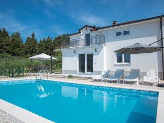 4 bedroom Villa in Donji Vinjani, Splitsko-Dalmatinska Zupanija, Croatia : ref 5