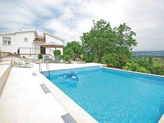 4 bedroom Villa in Milasi, Splitsko-Dalmatinska Zupanija, Croatia : ref 5562404