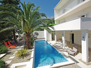3 bedroom Apartment in Makarska, Splitsko-Dalmatinska Zupanija, Croatia : ref 55