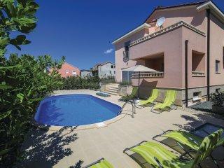 4 bedroom Villa in Kastel Luksic, Splitsko-Dalmatinska Zupanija, Croatia : ref 5