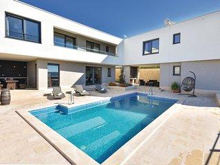 6 bedroom Villa in Kastel Sucurac, Splitsko-Dalmatinska Zupanija, Croatia : ref