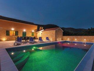 6 bedroom Villa in Novi Stafilić, Croatia - 5562323