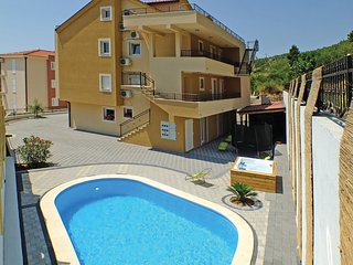 10 bedroom Villa in Veliko Brdo, Splitsko-Dalmatinska Županija, Croatia : ref 55