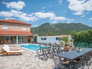 4 bedroom Villa in Jasena Majici, Splitsko-Dalmatinska Zupanija, Croatia : ref 5