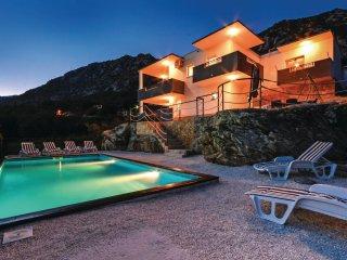 3 bedroom Villa in Zvečanje, Splitsko-Dalmatinska Županija, Croatia : ref 556223