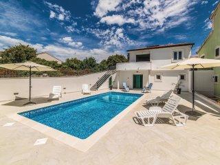 3 bedroom Villa in Zaglavice, Splitsko-Dalmatinska Zupanija, Croatia : ref 55621