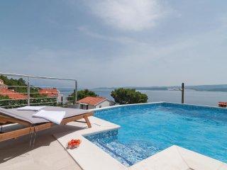 3 bedroom Villa in Tice, Splitsko-Dalmatinska Županija, Croatia : ref 5562176