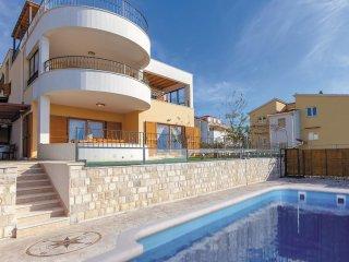 5 bedroom Villa in Mravince, Splitsko-Dalmatinska Županija, Croatia : ref 556216