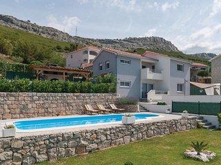 3 bedroom Villa in Mravince, Splitsko-Dalmatinska Zupanija, Croatia : ref 556216