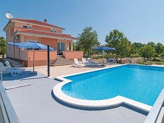 5 bedroom Villa in Kapela, Splitsko-Dalmatinska Županija, Croatia : ref 5562161